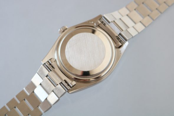 ref.18039 White Walnut